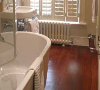 Choosing the Right Type of Varnish for your Wooden Floor